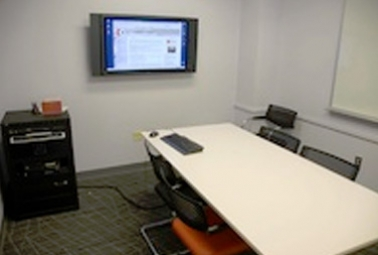 Presentation room (Weigle Information Commons)