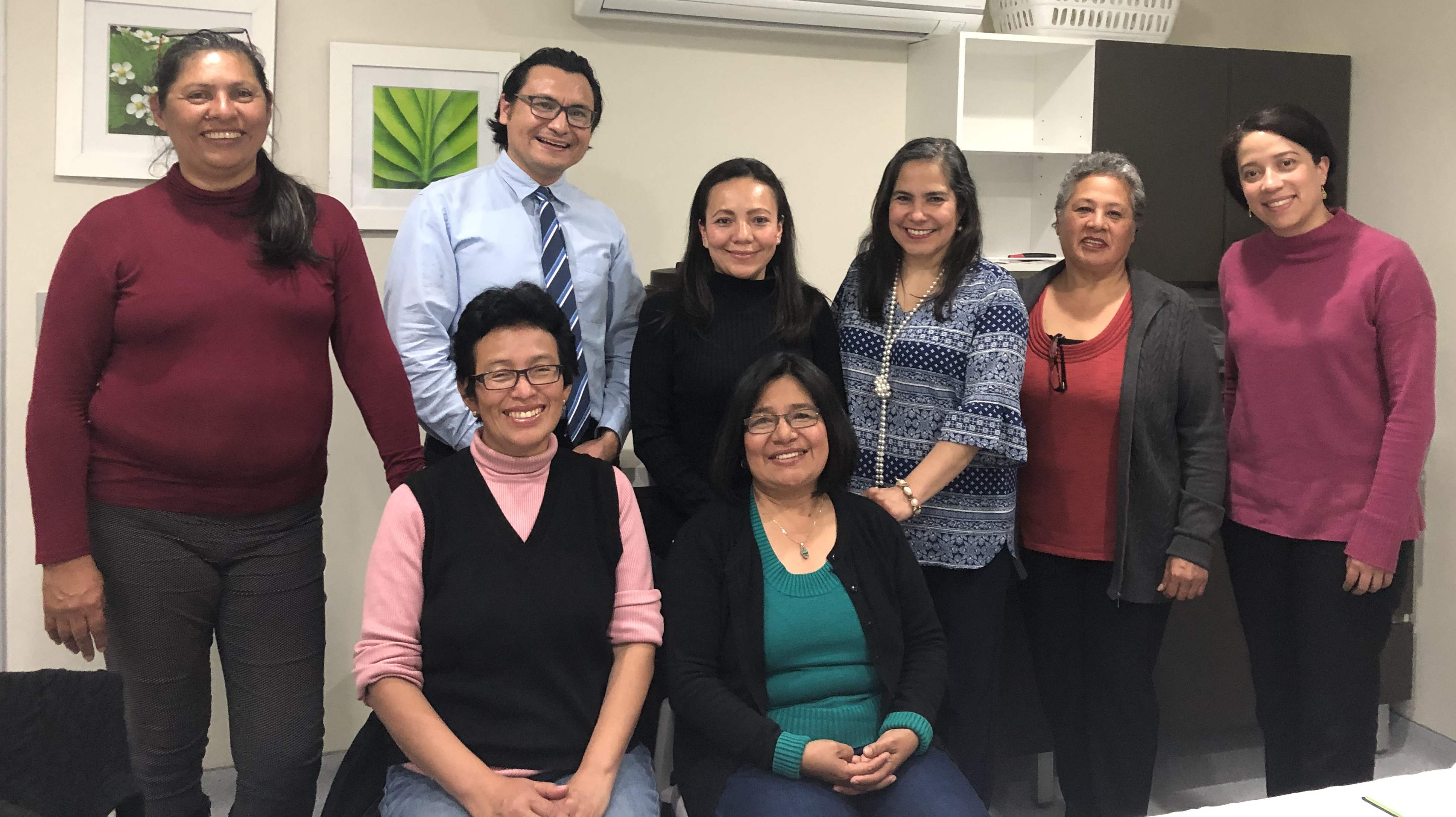 De la Cruz Gutierrez with participants in his implementation science tutorial.